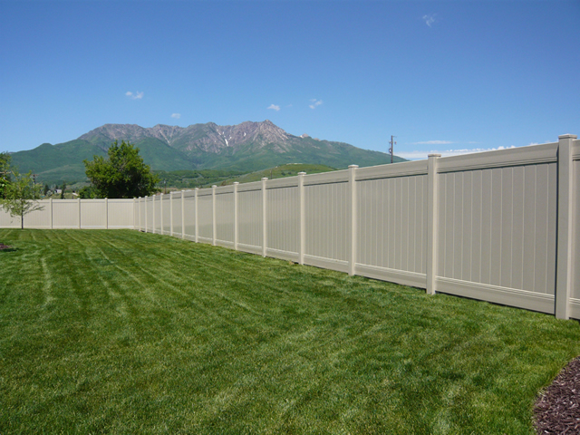 vinyl fence contractor Lindon, Utah